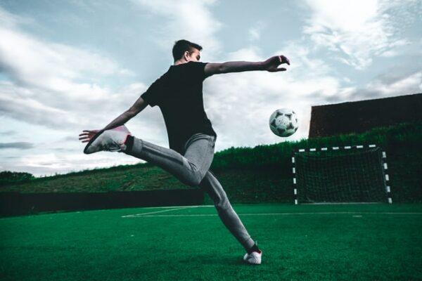 Gode råd til at spille fodbold i haven